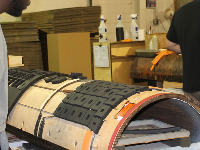 corrugated die ejection rubber